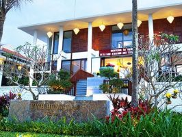 Vinh Hung Emerald Resort 酒店